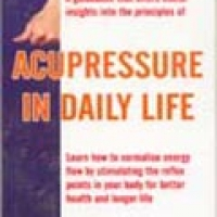 ACUPRESSURE IN DAILY LIFE (pb)2003